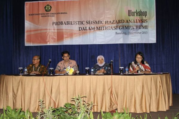 Workshop: Probabilistic Seismic Hazard Analysis (PSHA) dalam Mitigasi Bencana Gempa Bumi , Bandung 20 November 2013